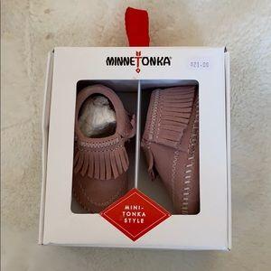 NWT Pink Minnetonka baby moccasins size 1